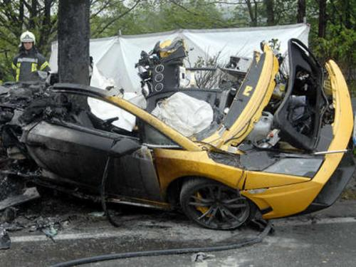 Lamborghini Gallardo crash, two deaths.